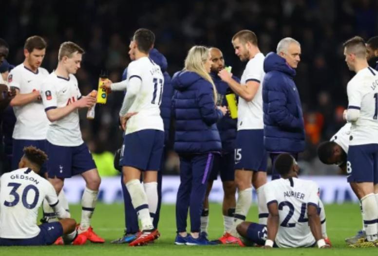 Tottenham Lawan Norwich, The Lilywhites Kandas Lewat Adu Penalti